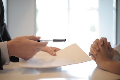 sign between policyholder and insurer